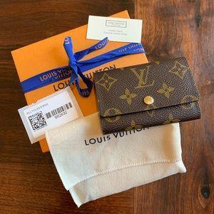 Louis Vuitton 6 ring key holder